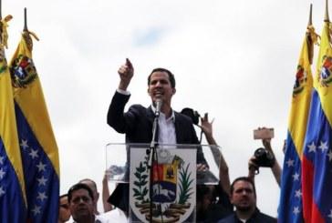"""Guaidó: son los militares los que sostienen al """"dictador"""" Maduro"""