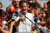 El jefe del Parlamento anuncia que asume la Presidencia de Venezuela de forma interina