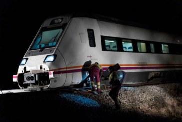 Renfe se suma a la denuncia Adif por el sabotaje tras el descarrilamiento de tren
