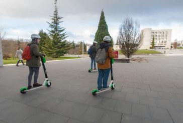 La Universidad de Navarra y Lime firman un acuerdo para instalar en el campus 50 patinetes eléctricos