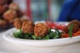 Un tríptico de Irache alerta sobre dietas milagro y da pautas saludables