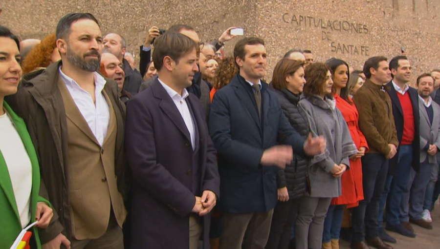 Los sondeos dan la victoria al PSOE pero acercan a PP, Cs y Vox a la mayoría