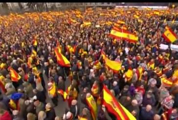 Masiva afluencia a la manifestación contra Sánchez, por la unidad de España y a favor de elecciones