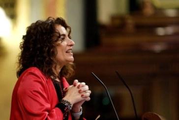 Montero no cierra la puerta a presentar presupuestos para 2019