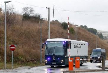 La Guardia Civil traslada a Madrid a los nueve presos del  proceso separatista