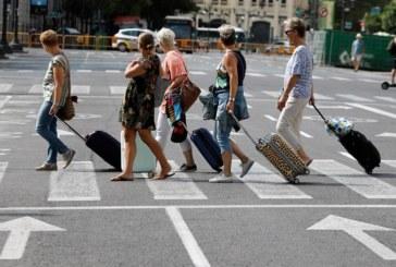 Las estancias extrahoteleras caen el 2,4 % en febrero por el declive de extranjeros