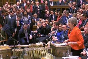 """El Parlamento británico apoya pedir a la UE retrasar la fecha del """"brexit"""""""