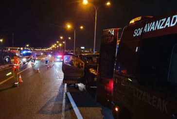 Siete heridos en un accidente en Aranguren del que huye un conductor