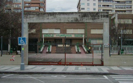Pamplona se compromete a preservar los colegios de acciones políticas