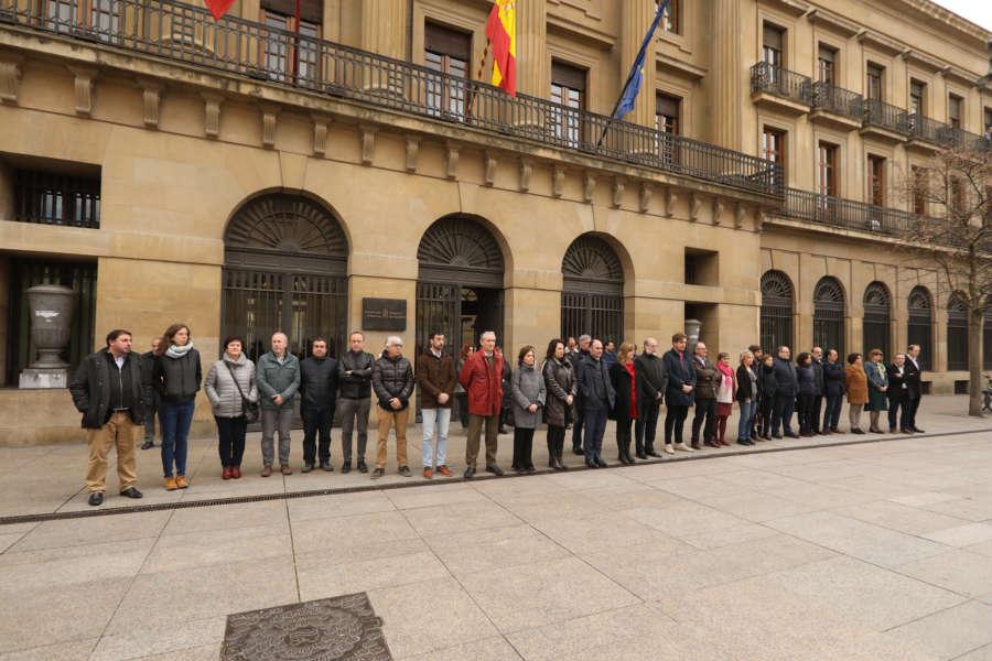 Navarra rinde homenaje a las víctimas del terrorismo en el 11M