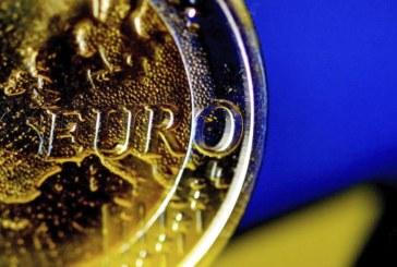 La CE multa con 1.068 millones a cinco bancos por cártel en mercados divisas
