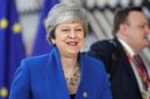 May, presionada por sus ministros, retrasa la ley del «brexit»