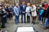 28-A: Sánchez pasea por Viana (Navarra) en un Viernes Santo electoral