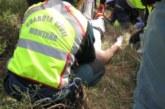 Rescatado un motorista despeñado por un barranco en Ecay de Lónguida con pronóstico muy grave