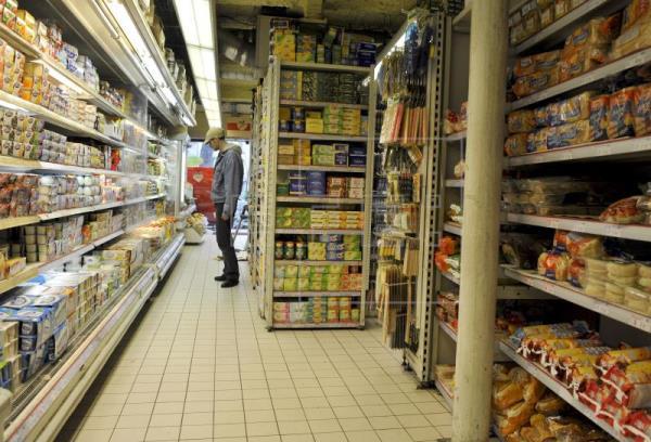 La confianza del consumidor cae en marzo por la situación actual y futura