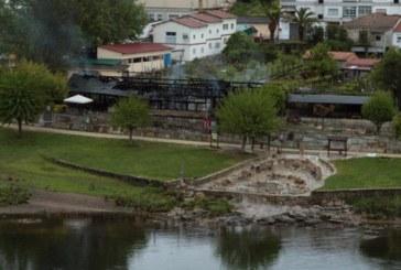 Un incendio destruye las termas de La Chavasqueira en la ciudad de Orense