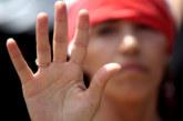 Fundéu BBVA: «en manos de» y «a manos de» no significan lo mismo