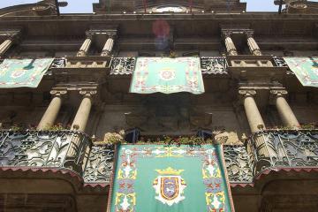El Ayuntamiento de Pamplona rechaza los insultos recibidos por Maya en Twitter