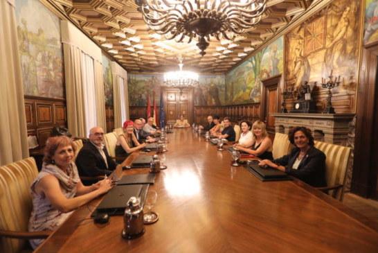 El Gobierno tripartito de Chivite engrosa su estructura con 32 direcciones generales, 13 secretarías generales y 13 organismos