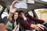 Más de 10.500 navarros reconocen haberse hecho un «selfie» conduciendo