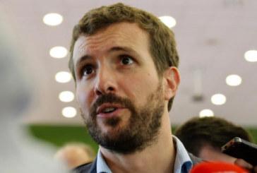 Casado acusa a Sánchez de «hacer coincidir» la exhumación de Franco con la EPA