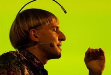 El primer cíborg del mundo defiende «el derecho a diseñarse como especie»