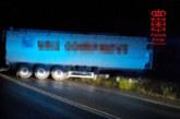 Un camionero herido leve tras chocar contra un talud en el término de Valtierra