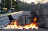 Los manifestantes cortan varías vías en el inicio de la jornada de huelga