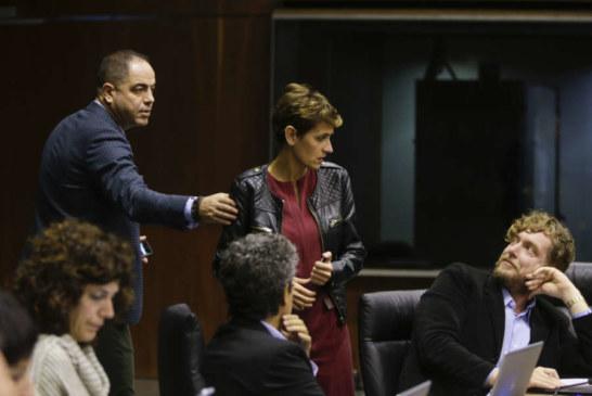 El Parlamento rechaza retirar de uso libros de texto en euskera del modelo D