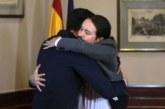 Del cuadro de «El abrazo» al abrazo real: Dos maneras de sellar un pacto