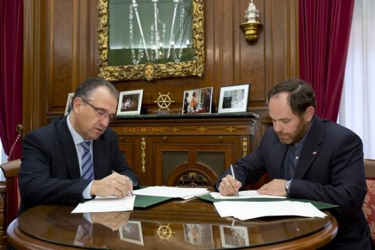 El Ayuntamiento de Pamplona y Cruz Roja Española firman convenio de protección civil