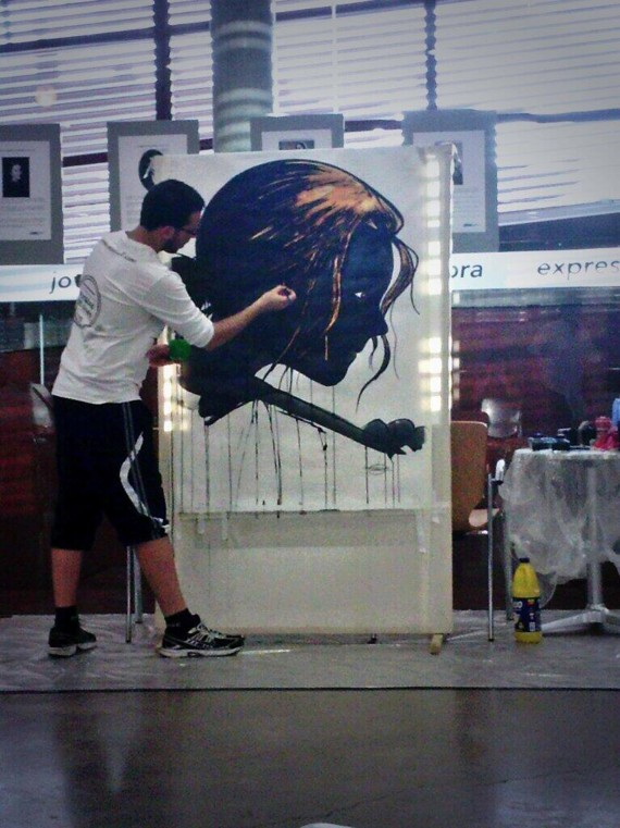 Sábado 9, pintura en directo 'con tinta y lejía' por Diego Escribano Ott en la Casa de la Juventud