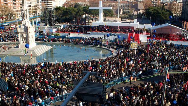 Fiesta de la Familia en la Plaza de Colón con fieles de toda Europa
