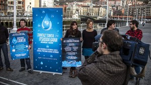 Convocantes de los actos por el fin de la dispersión de los presos etarras exigen la libertad de los detenidos ayer