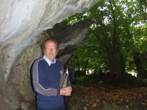 Javier Álvarez en la cueva