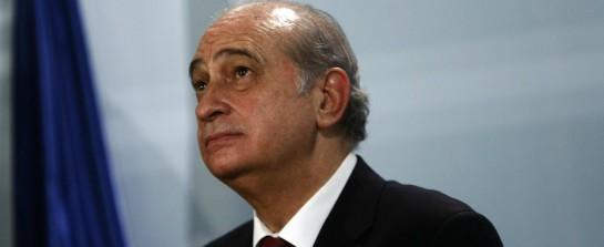 El Ministro del Interior reconoce que la Guardia Civil disparó al agua en Ceuta