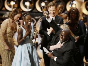 """""""12 años de esclavitud"""" y """"Gravity"""" se llevan los Oscars"""