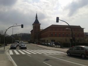 Nuevo paso peatonal con semáforo entre el Parque de Trinitarios y el puente de Santa Engracia