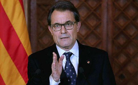 """Rajoy critica a Mas por haber cerrado la """"consulta"""" sin haberle """"llamado y reclama """"diálogo"""""""""""