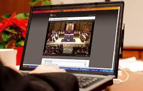 La Iglesia recurre a internet para dar misas 'online' por la falta de sacerdotes