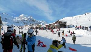 Las estaciones de Astún y Candanchú rebajan sus precios en el final de la temporada de esquí