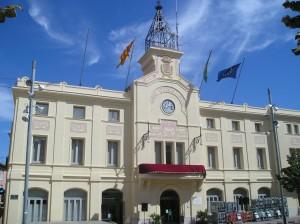 La bandera española ondeará en Sant Sadurní d'Anoia, la capital del cava, 'por imperativo legal'