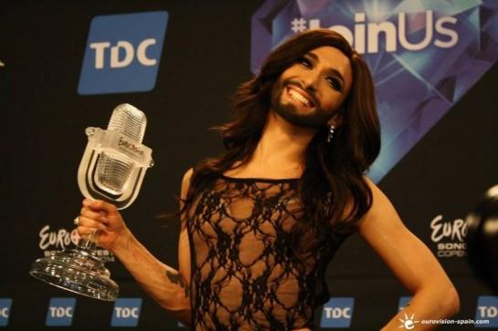 Conchita Wurst gana para Austria el Festival de Eurovisión, mientras España termina décima