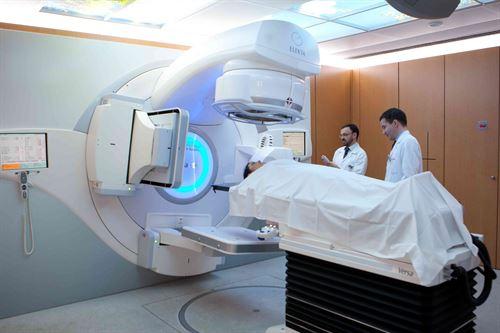 CUN aplica el acelerador lineal con radioterapia más avanzado para tratar el cáncer