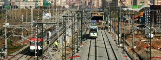 Adif asegura que el sobrecoste del AVE a Barcelona fue por las prisas del Gobierno en 2008