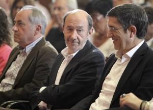 Alfredo Pérez Rubalcaba, junto a Patxi López este sábado | EFE