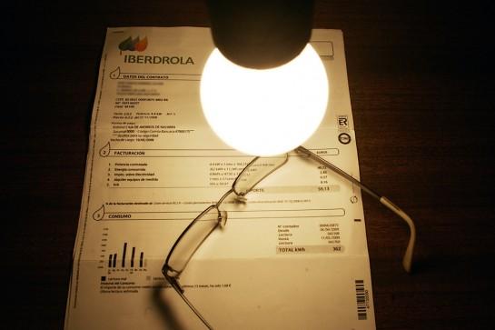 Las eléctricas devolverán unos 310 millones por lo cobrado de más en el primer trimestre