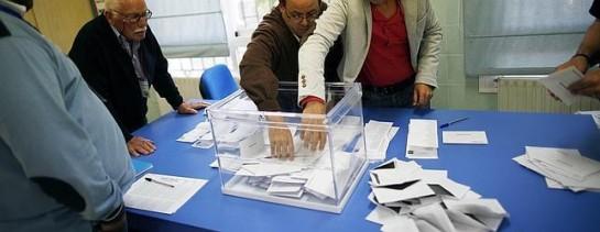 La participación en España se sitúa en el 45,58%, casi siete décimas más que en 2009 (44,9%)