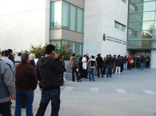 72 detenidos y 546 imputados en casi toda España por organizar matrimonios fraudulentos