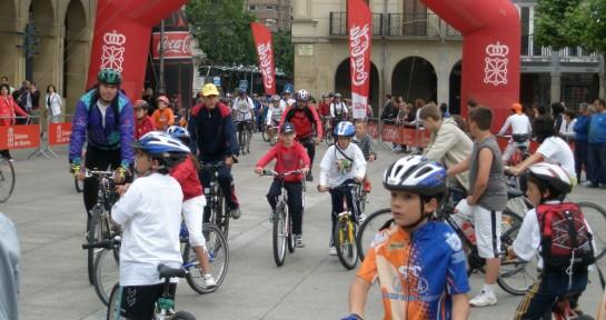 Tres actos públicos alterarán el tráfico de vehículos en Pamplona durante gran parte del domingo